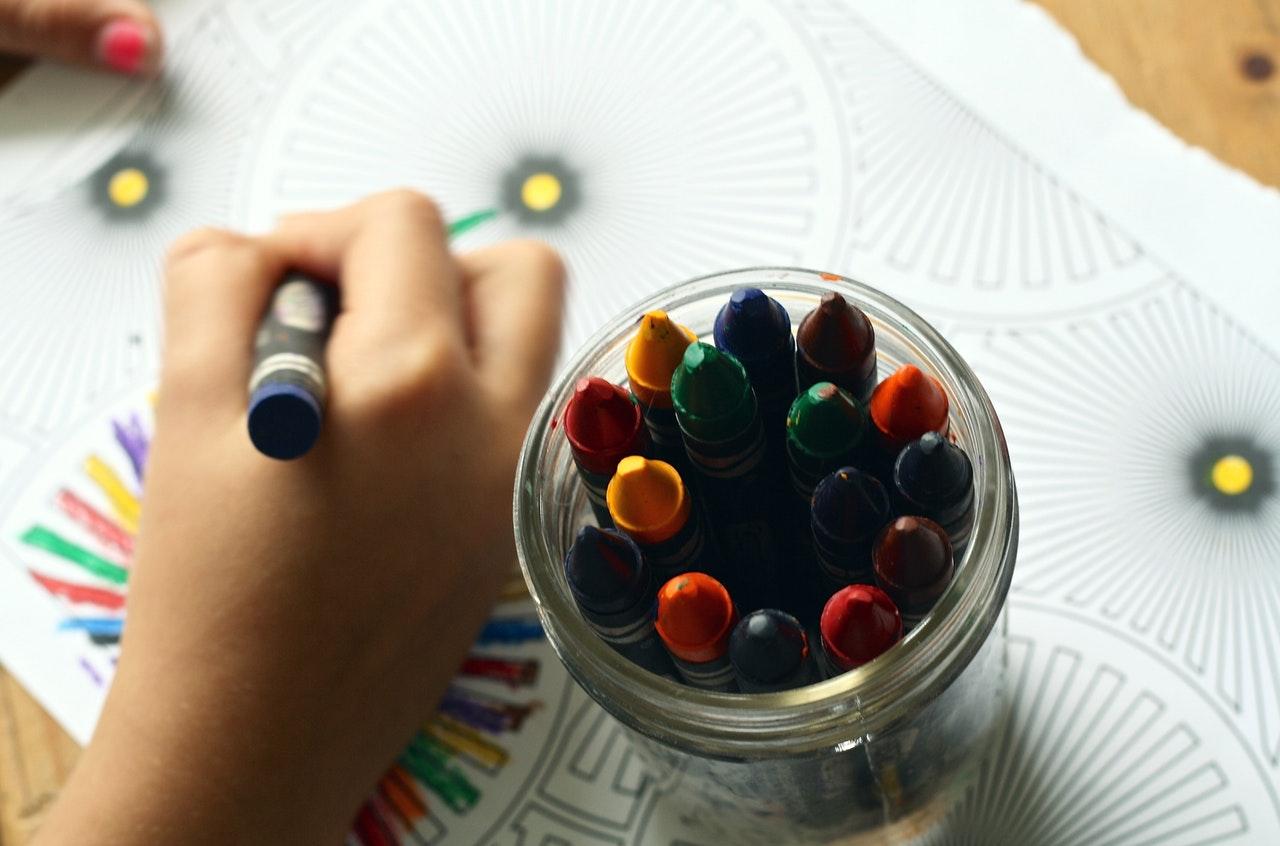 Maksimalkan Perkembangan Otak Balita dengan Belajar Menggambar