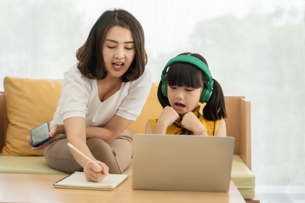 Berkomunikasi secara Efektif pada Anak Ada Caranya. Simak Tips Berikut!