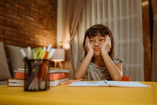 Latih Anak Anda Mengatasi Perasaan Bosan